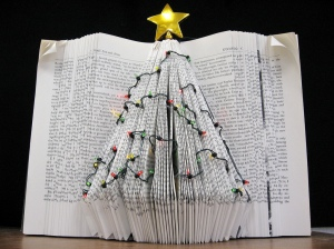 holiday-tree-book-art